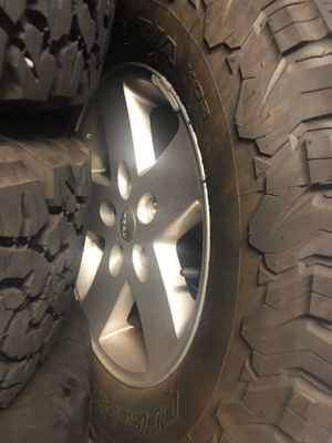Jeep Wrangler Jk wheels and tires and toms sensor only 3000 miles on it for Sale in The Bronx, NY