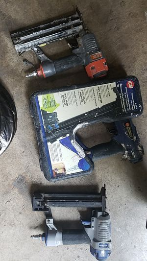 Stapple/ brad nail guns. And chraftsman airhose. New for Sale in Eugene, OR