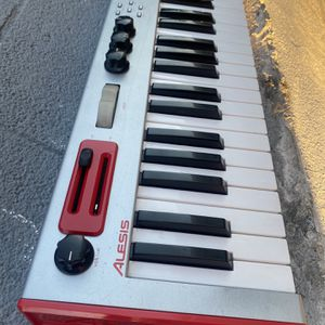 Alesis Micron Good Condition for Sale in Los Angeles, CA