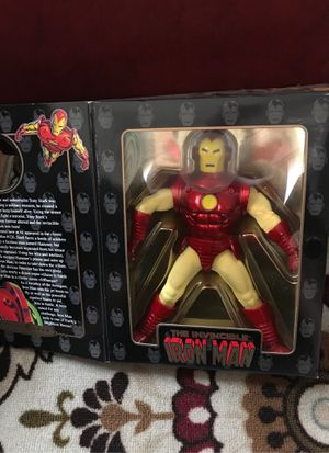 Famous cover series action figures hulk Iron man for Sale in Riverside, CA