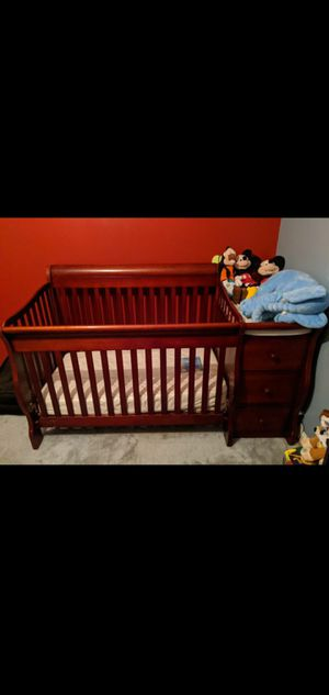 Baby crib/changing table Need gone ASAP for Sale in Matthews, NC