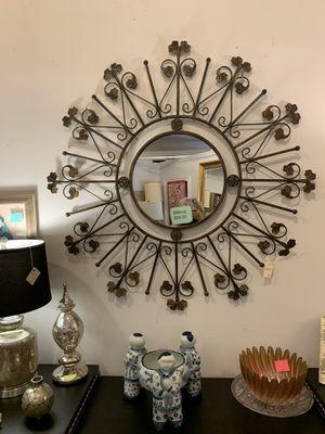 Beautiful Mirror. Great conversation piece. for Sale in Atlanta, GA