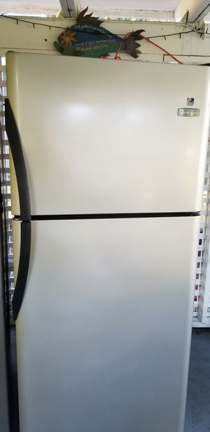 Frigidaire stainless steel refrigerator for Sale in Anna Maria, FL