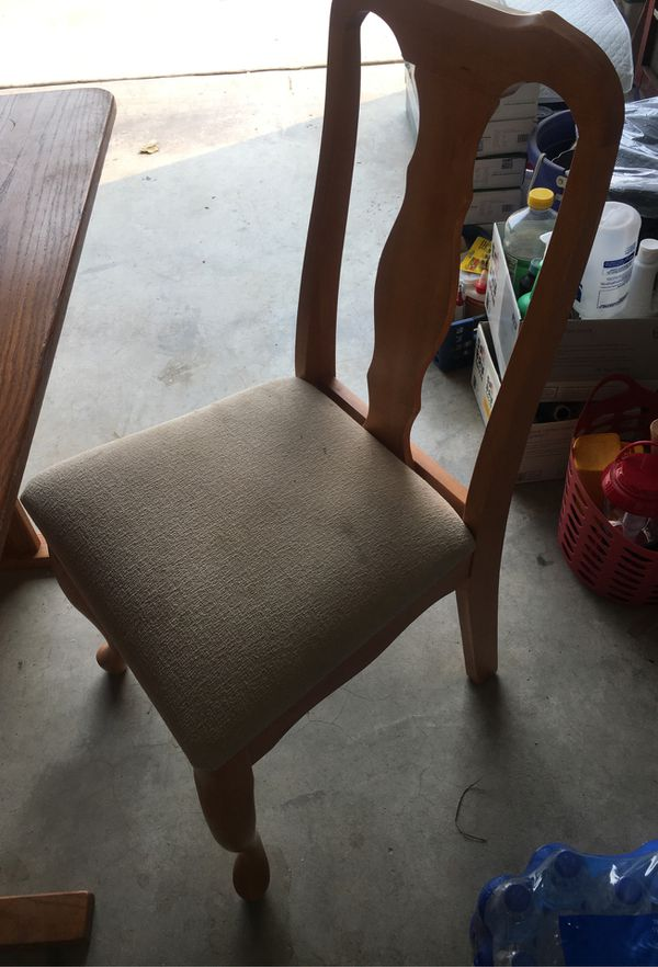 Small table and 4 chairs 3 ft long 29 wide
