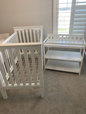 Pottery Barn Kendall Crib and Child Craft diaper changer for Sale in Winter Garden, FL