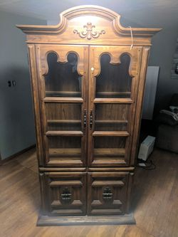 Wood hutch for Sale in Silvis,  IL