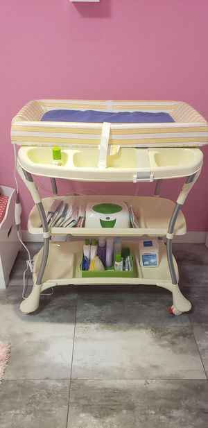 Baby spa bath tub and changing table for Sale in Cutler Bay, FL