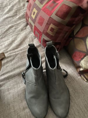 Short boots gray for Sale in Benson, NC