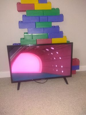 32 inch tv for Sale in Beaverton, OR