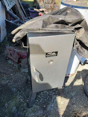 Masterbuilt electric smoker for Sale in Eastman, GA