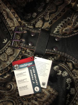 """Harbinger 6"""" Padded Leather Weightlifting Belt Original Size Large (best kind to have/great condition-brand new) for Sale in Downey, CA"""