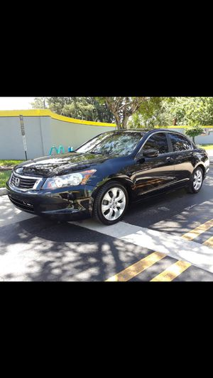 2010 Honda Accord beautiful dependable wheels for Sale in Davie, FL