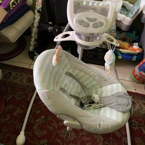 Baby Swing for Sale in Kissimmee, FL
