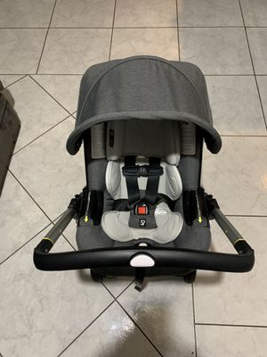 Doona car seat stroller for Sale in Santa Ana, CA