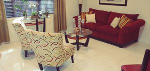Complete living room set with 6 bar stools for Sale in Hialeah, FL