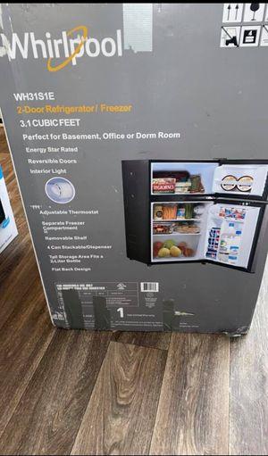 Whirlpool 2-Door Refrigerator for Sale in Hendersonville, TN
