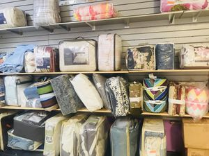Bedding, Lamp Shades, & More ! for Sale in Moreno Valley, CA