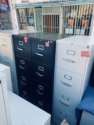 OFFICE METAL FILE CABINETS I HAVE 3 CABINETS WITH KEY TO LOCK DRAWERS for Sale in Los Angeles, CA