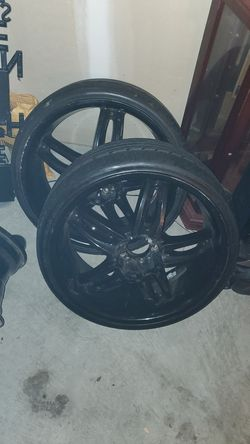 Six 20' black rims for Sale in Columbia,  SC