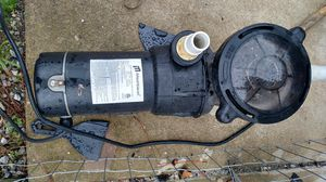 1 1/2 hp pool pump for Sale in Angier, NC