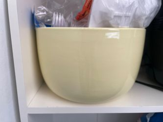 Bake berkus deep bowl for Sale in Washington,  DC
