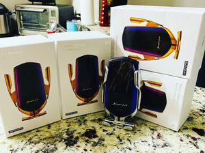 Automatic clamping wireless car charger for Sale in Miami, FL