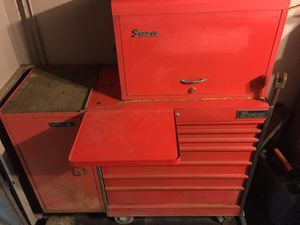 Snap on tool box with tools lots of extras for Sale in Tucson, AZ