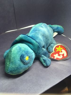 Super rare retired Rainbow Beanie Baby for Sale in Douglasville, GA