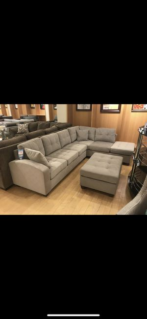 Sectional with ottoman for Sale in Dallas, TX