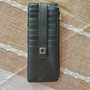 Lodis Women's Leather Vertical Card Wallet for Sale in Pompano Beach, FL