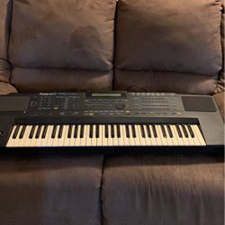 Roland E-70 Synthesizer Keyboard for Sale in Palm Harbor,  FL