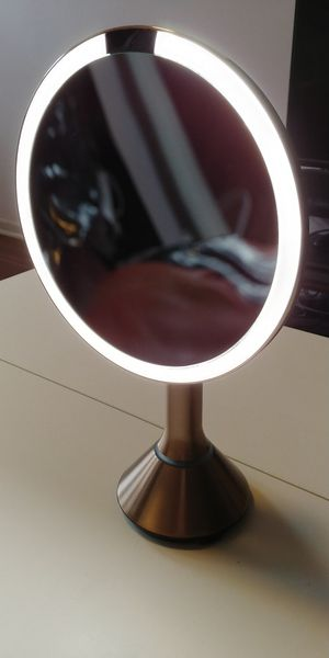 """simplehuman Sensor Lighted Makeup Vanity Mirror, 8"""" Round With Touch-Control Brightness, 5x Magnification, Rose Gold Stainless Steel for Sale in Chicago, IL"""