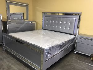 Brand new queen size bedroom set $1399 for Sale in Hialeah, FL