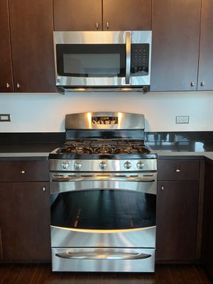 "Microwave ""Kenmore"" for Sale in Chicago, IL"