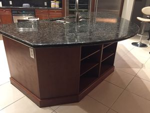 Complete kitchen cabinets and granite for Sale in Pembroke Pines, FL