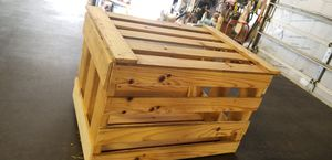 Crate with lid for Sale in Hutchinson, KS