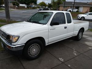 1995 toyota tacoma pick up truck for Sale in Brea, CA