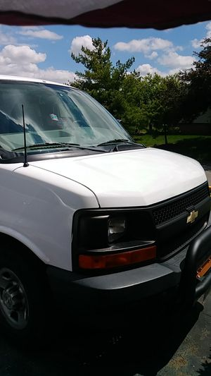 2008 Chevy express van for Sale in Obetz, OH