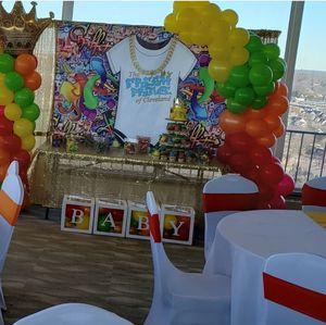 Balloons, red carpet, and backdrop for Sale in Cleveland, OH