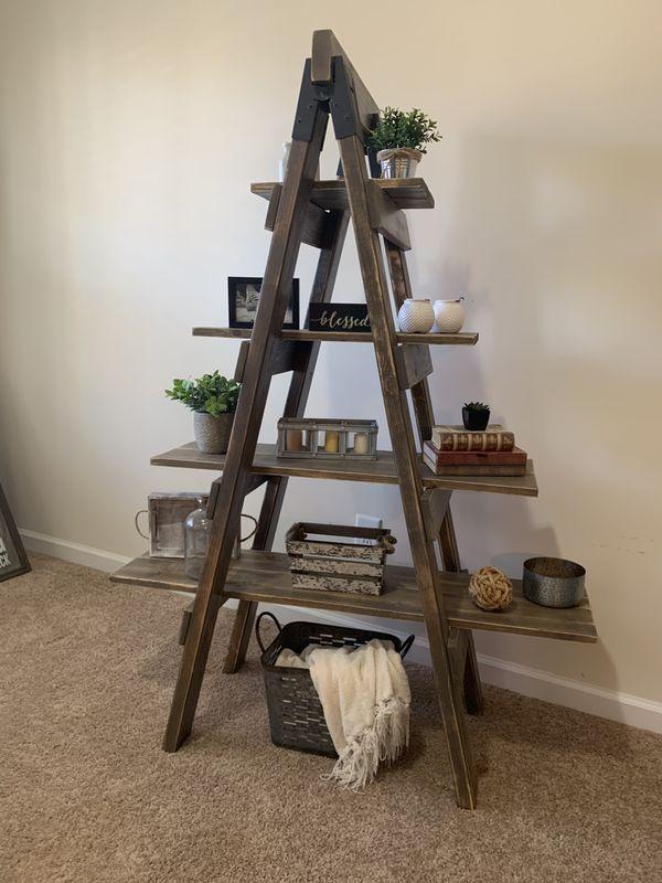 Rustic Farmhouse Ladder Shelf