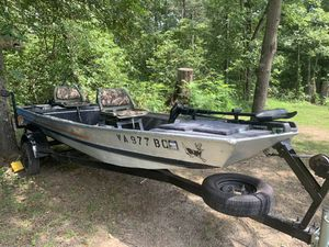 Bass Tracker bass boat for Sale in Stephens City, VA