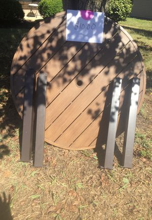Outdoor table for Sale in Nashville, TN