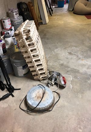Chicken waterer heater—heat lamps—chicken carrier for Sale in Bethany, CT