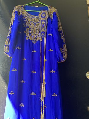 Indian dress for party' almost new good condition very beautiful Only wear one time for Sale in Anaheim, CA