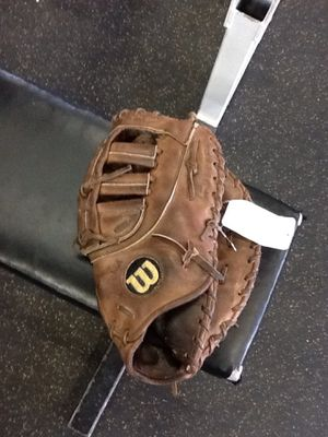 Wilson A2000 1st First Baseman Glove Mitt (Broken in and ready to roll) for Sale in IL, US