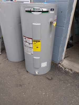 Electric hot water heater for Sale in Philadelphia, PA