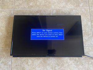 32 inch Sharp TV for Sale in Lutz, FL