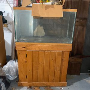 Fish Tank And Stand for Sale in Hudson, FL
