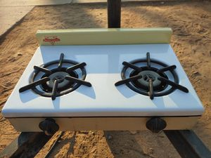 Vintage Modernaire 2 burner propane stove for Sale in El Cajon, CA