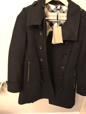 Brand new Women's Burberry wool coat - size 2 for Sale in Chicago, IL